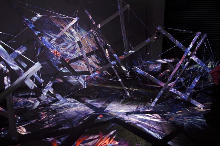 Arquitectura Interactiva - Ecdysis - Sougwen Chung 01